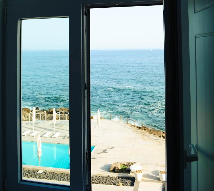 Window Farol Design Hotel Sea View Room