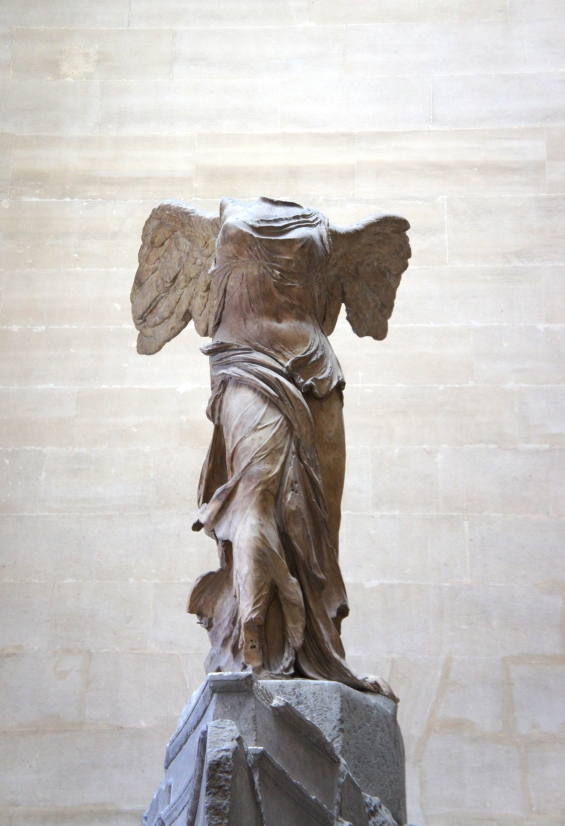 Victory Nike of Samothrace Louvre Express Tour Paris